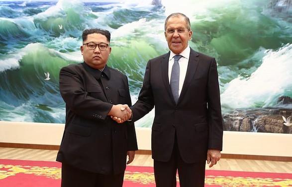 Lavrov Kuzey Kore lideri Kim ile görüştü