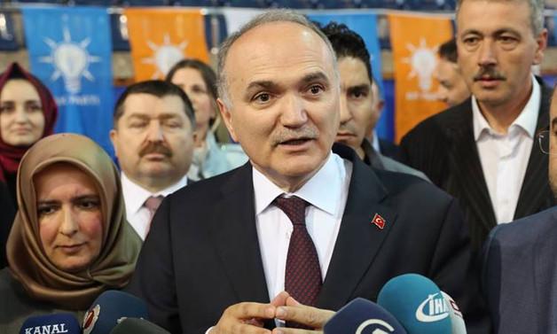 Özlü: CHP'de şans görmüyorum