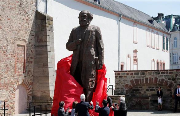 Karl Marx, 200. doğum gününde doğduğu kasabada anıldı
