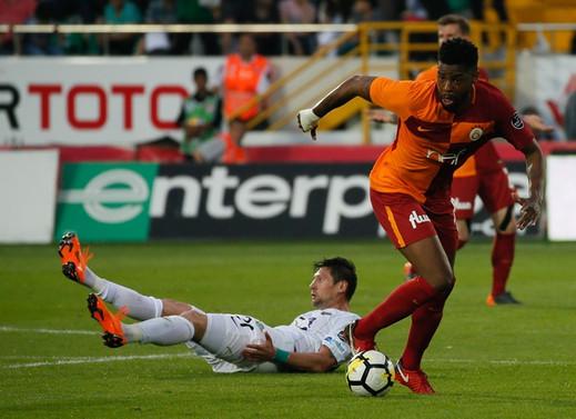 Galatasaray'dan altın değerinde 3 puan