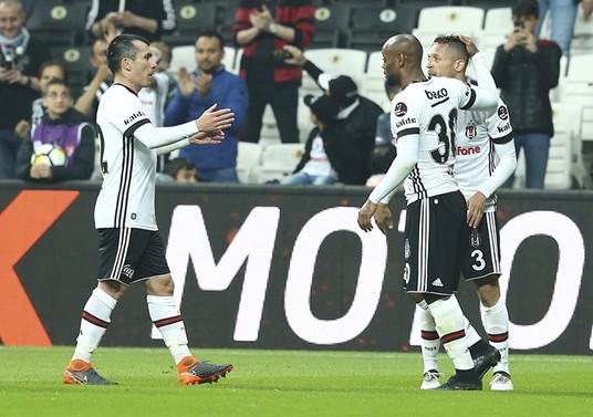 Beşiktaş zirve umutlarını sürdürdü