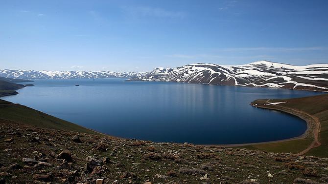Tatlı su göllerini bekleyen metan gazı tehdidi