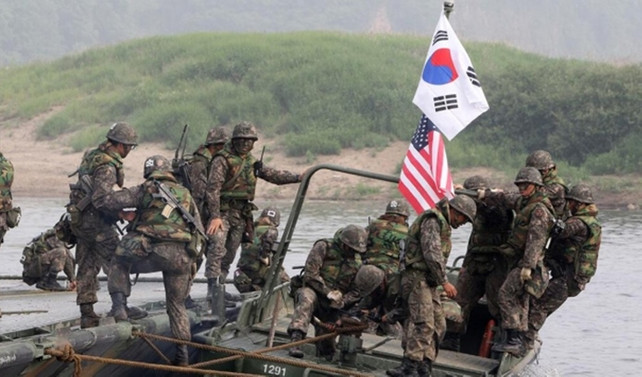 ABD, Güney Kore ile askeri tatbikatları durduruyor