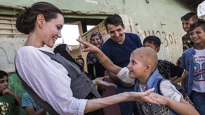 Angelina Jolie'den Iraklı göçmenlere yardım çağrısı