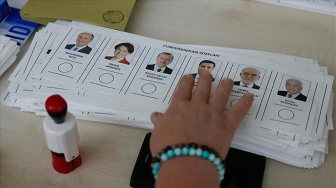 Mükerrer oy kullandığı iddia edilen kadın serbest