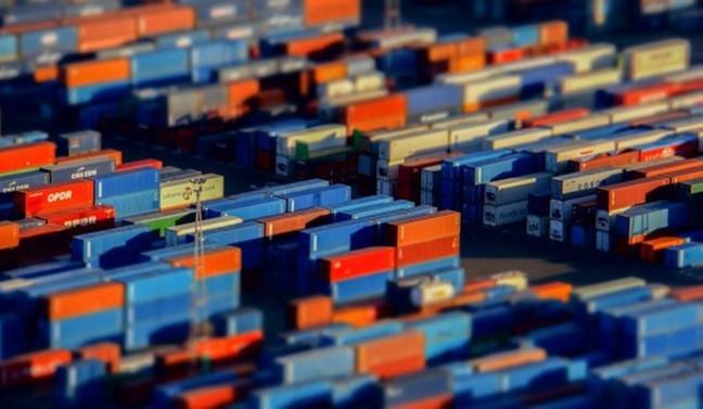 ABD'de mal ticareti açığı mayısta düştü