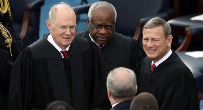 ABD Yüksek Mahkeme üyesi emekliye ayrılıyor