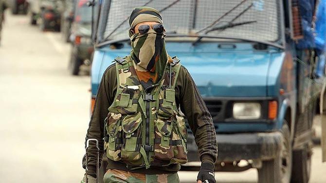 Keşmir'de ateşkesi bozan çatışma: 2 ölü