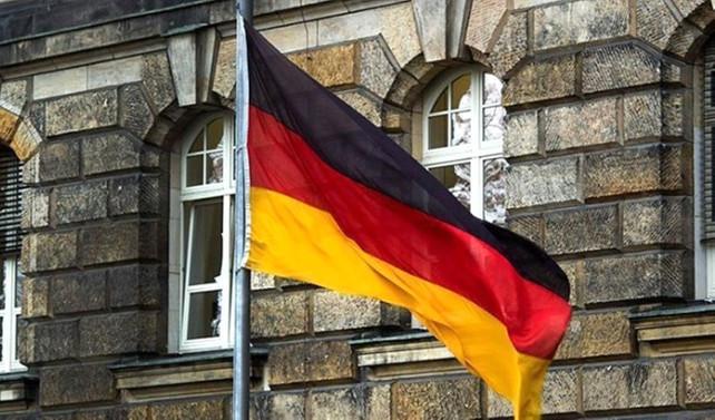 Berlin Katedrali'nde bir saldırgan vuruldu