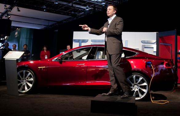 Tesla hissedarları Musk'ı görevden almayı oylayacak
