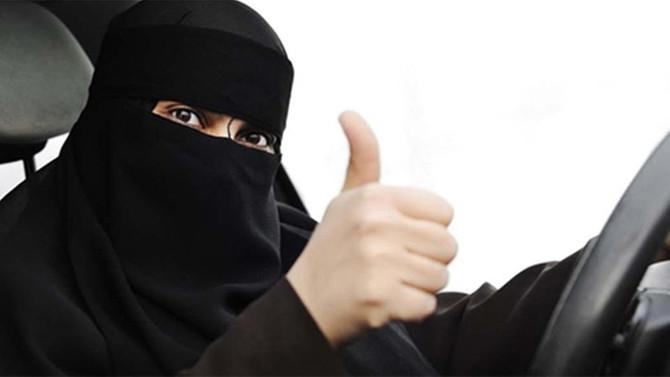 Suudi Arabistan'da kadınlara ehliyet verilmeye başlandı
