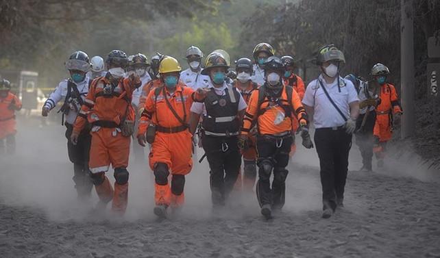 Yanardağ patlamasında ölü sayısı 75'e çıktı