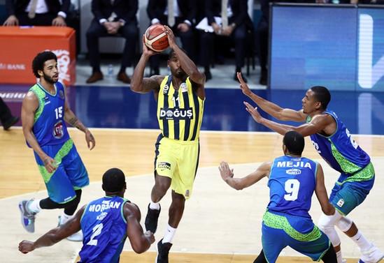 Fenerbahçe Doğuş seride 2-0 öne geçti