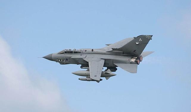 'İngiliz jetleri rejim destekçilerini bombaladı' iddiası
