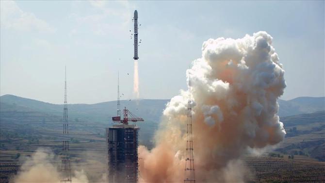 Çin yeni navigasyon uydusunu uzaya fırlattı