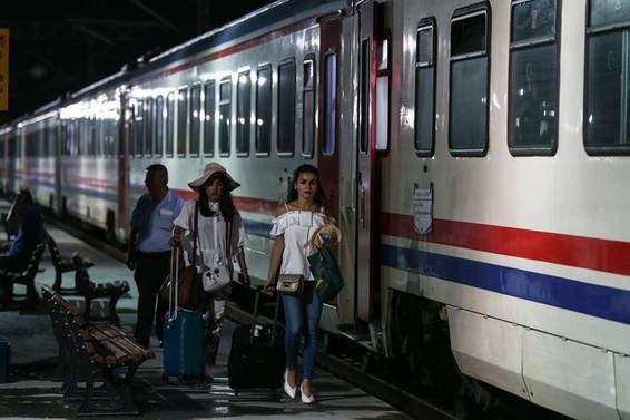 Kazadan sonra iptal edilen tren seferleri yeniden başladı