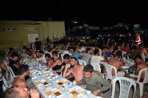 KKTC açıklarında kurtarılan 102 göçmen Mersin'e getirildi