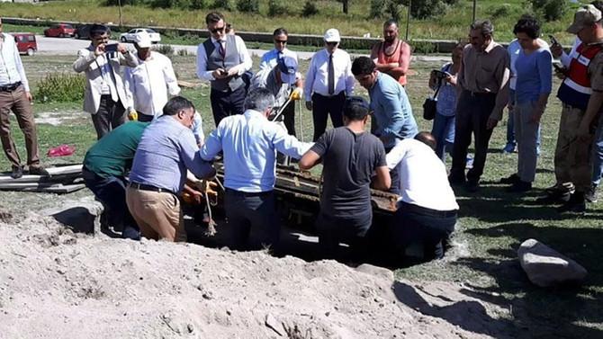 Rus subayın cesedi Ardahan'da toprağa verildi