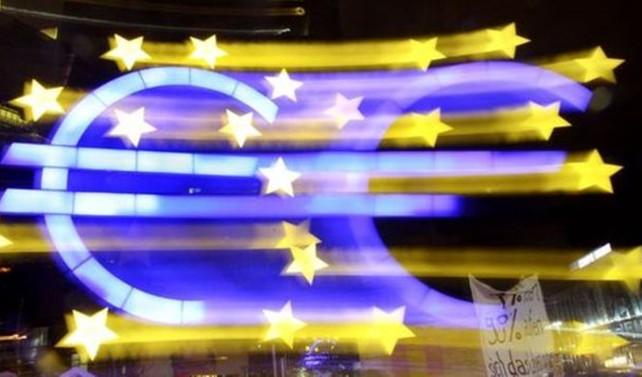 Praet: Euro Bölgesi'nde deflasyon riski ortadan kalktı