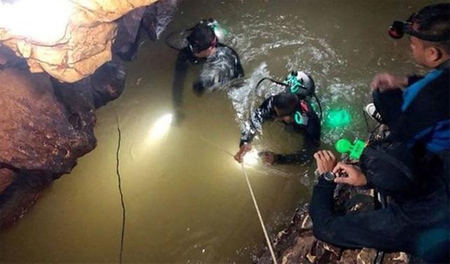 Tayland'da mağaradaki kurtarma operasyonu başladı
