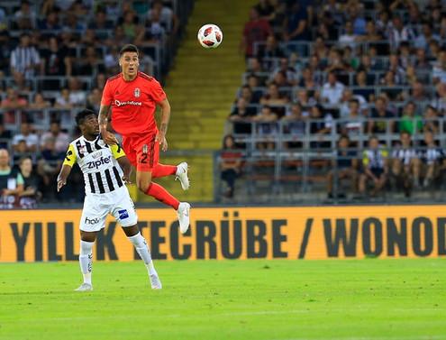 Beşiktaş yenilgiye rağmen turladı