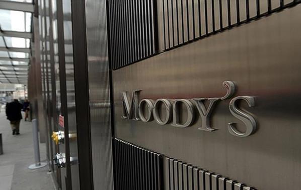 Moody's de Türkiye'nin kredi notunu düşürdü