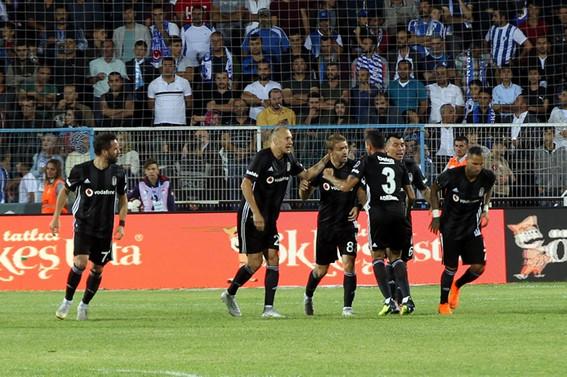 Beşiktaş, Erzurumspor'u 3 golle geçti