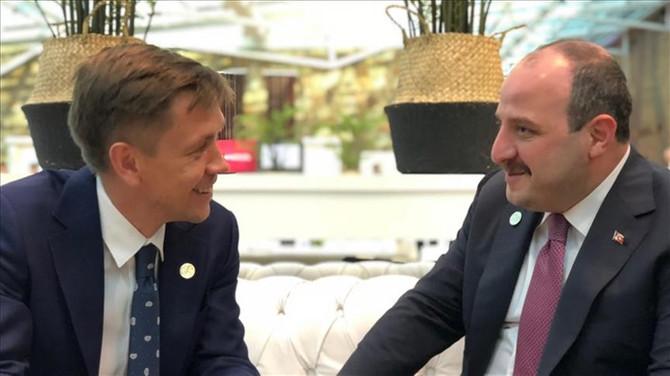 Bakan Varank Rusya Dijital Kalkınma Bakanı ile görüştü