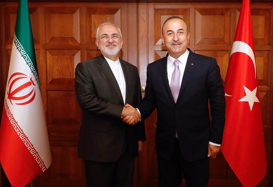 Çavuşoğlu İranlı mevkidaşı Zarif ile görüştü