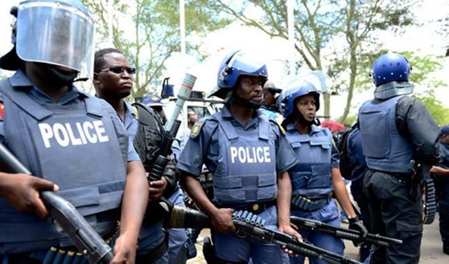 Güney Afrika'da yabancı iş adamlarının dükkanları yağmalandı