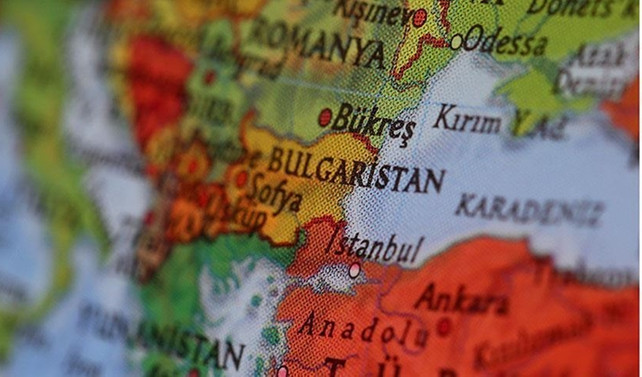 Bulgaristan'da 3 bakan istifa etti