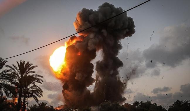 İsrail'den Gazze'ye hava saldırısı: 2 yaralı