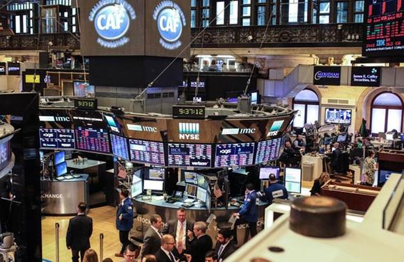 Borsa, satıcılı açıldı