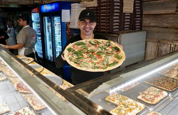 Ünlü Türk pizzacıya ABD'de 4 ödül