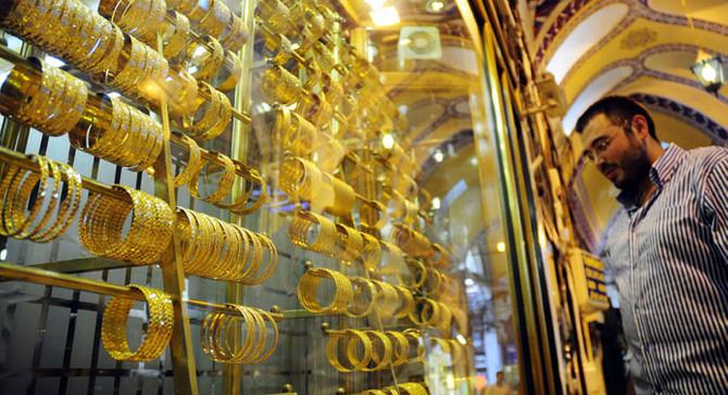 Dolarla birlikte altın fiyatları da düştü
