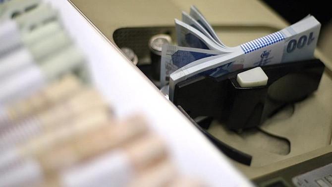 Bütçe, ağustosta 5.8 milyar lira açık verdi