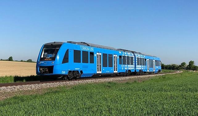 Hidrojen yakıtlı ilk tren hizmete girdi