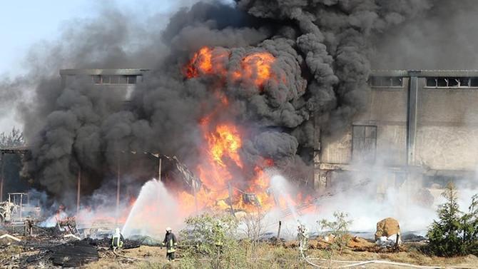 Denizli'de depo yangını