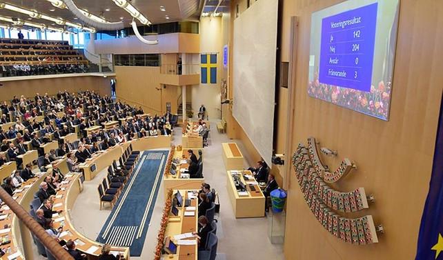 İsveç'te azınlık hükümeti güvenoyu alamadı