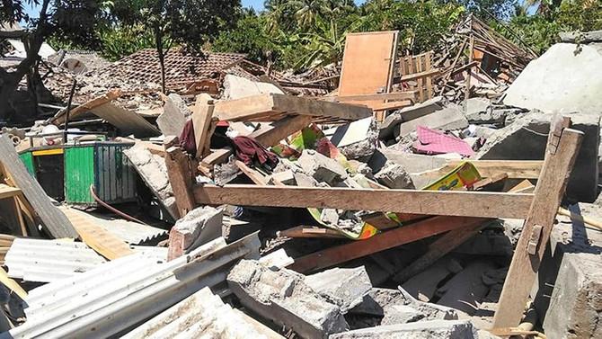Endonezya'da depremin ardından tsunami