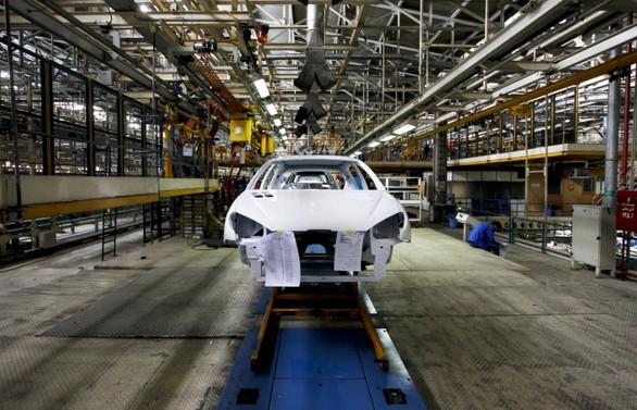İran'da otomotiv üretimi durma noktasına geldi
