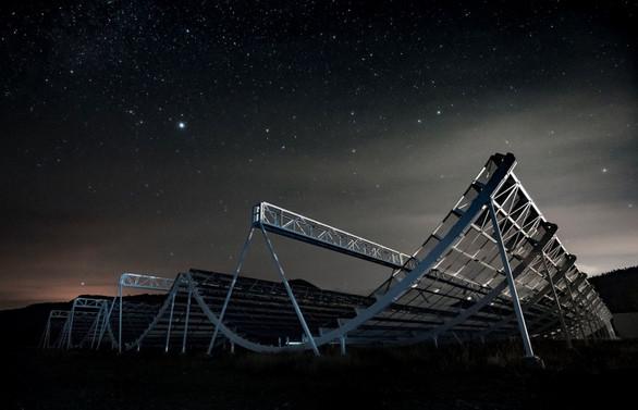 1.5 milyar ışık yılı uzaklıktan sinyal geldi