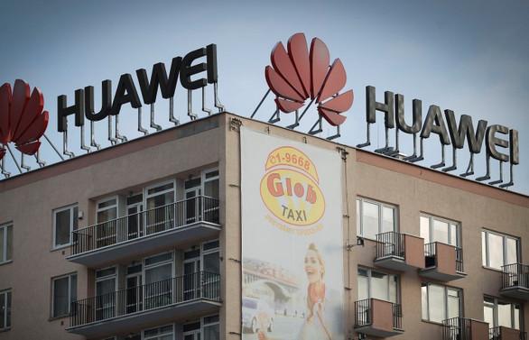 Huawei, casusluktan gözaltına alınan yöneticisini kovdu
