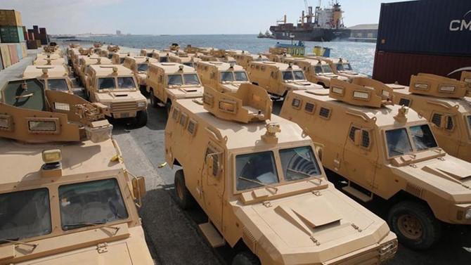 Katar'dan Somali'ye 68 askeri zırhlı araç