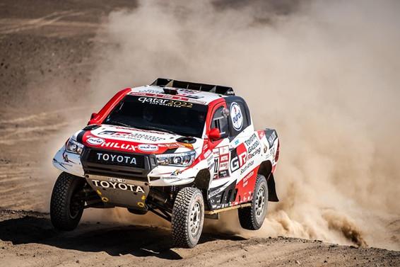 Toyota, Dakar Rallisi'nde tarihi bir zafere daha imza attı