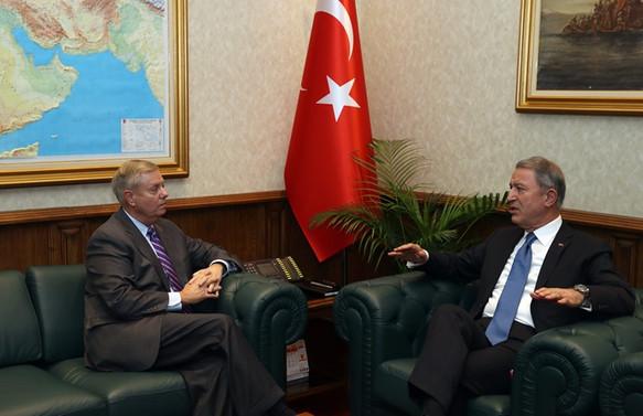 Graham, Milli Savunma Bakanı Akar'ı ziyaret etti