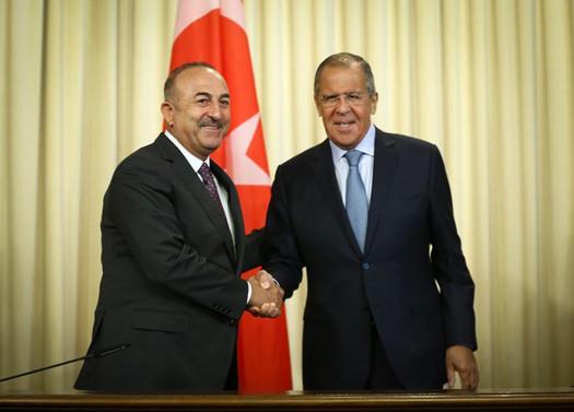 Çavuşoğlu, Rus mevkidaşı Lavrov ile telefonda görüştü