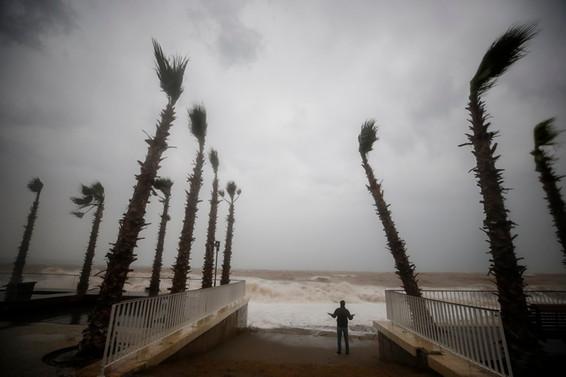 Meteorolojiden Antalya ve Karadeniz için kuvvetli fırtına uyarısı