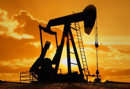 ABD'deki rekor üretim petrol fiyatlarını baskılıyor