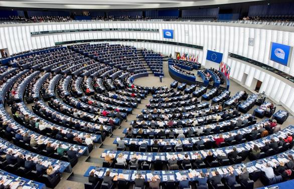 Avrupa, Guaido'yu başkan olarak tanıdı